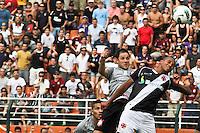 ATENÇÃO EDITOR: FOTO EMBARGADA PARA VEÍCULOS INTERNACIONAIS SÃO PAULO,SP,27 OUTUBRO 2012 - CAMPEONATO BRASILEIRO - CORINTHIANS x VASCO - Martinez jogador do Corinthians durante partida Corinthians x Vasco válido pela 33º rodada do Campeonato Brasileiro no Estádio Paulo Machado de Carvalho (Pacaembu), na região oeste da capital paulista na tarde deste sabado (27).(FOTO: ALE VIANNA -BRAZIL PHOTO PRESS).
