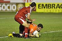 MOGI MIRIM, SP, 04 de MAIO 2013 - Lance durante a Semifinal Mogi Mirim x Santos no Estadio Romildo Vitor Gomes Ferreira (Romildao) em Mogi Mirim  (FOTO: ADRIANO LIMA / BRAZIL PHOTO PRESS).
