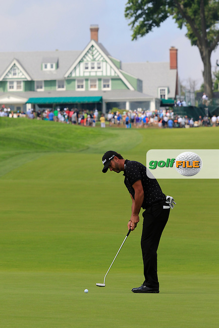 Scott Piercy (USA) putts on the 10th green during Friday's Round 1 of the 2016 U.S. Open Championship held at Oakmont Country Club, Oakmont, Pittsburgh, Pennsylvania, United States of America. 17th June 2016.<br /> Picture: Eoin Clarke | Golffile<br /> <br /> <br /> All photos usage must carry mandatory copyright credit (&copy; Golffile | Eoin Clarke)