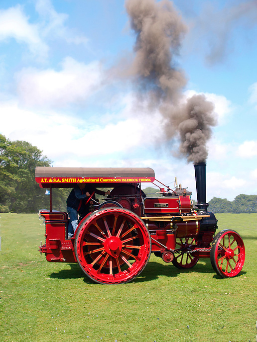 Antique Steam Traction Engine, in Full Steam
