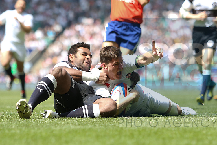 England's Freddy Burns scores his team's 1st try - Rugby Union - England vs Barbarians - Twickenham Stadium - London - 26th May 2013 - Pic Charlie Forgham-Bailey/Sportimage