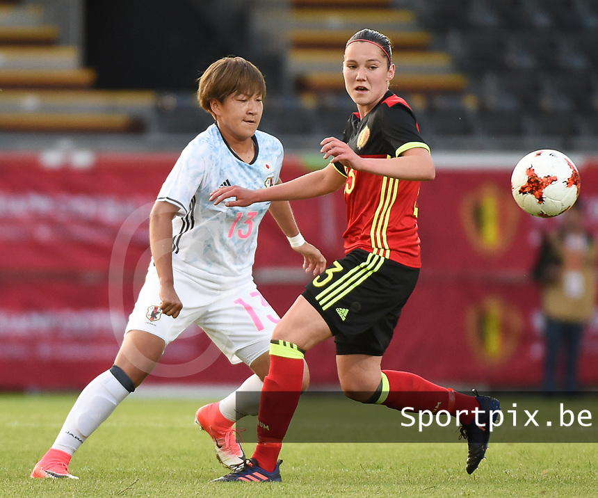 20170613 - LEUVEN ,  BELGIUM : Belgian Elien Van Wynendaele (R) and Japanese Yuika Sugasawa (L) pictured during the female soccer game between the Belgian Red Flames and Japan , a friendly game before the European Championship in The Netherlands 2017  , Tuesday 13 th Juin 2017 at Stadion Den Dreef  in Leuven , Belgium. PHOTO SPORTPIX.BE | DIRK VUYLSTEKE