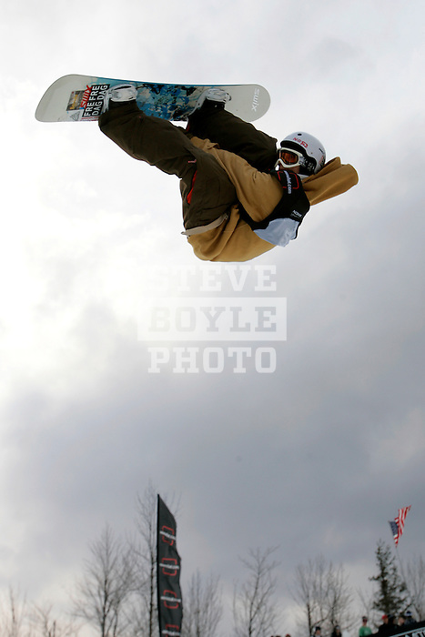 Roger-s Kleivdal (NOR) competes in the finals of the Nokia Snowboard FIS Half-Pipe World Cup at Whiteface Mountain in Lake Placid, New York on March 10, 2007.