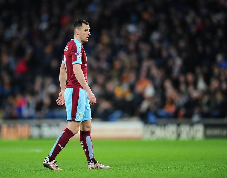 Burnley's Dean Marney<br /> <br /> Photographer Chris Vaughan/CameraSport<br /> <br /> Football - The Football League Sky Bet Championship - Hull City v Burnley - Saturday 26th December 2015 - Kingston Communications Stadium - Hull<br /> <br /> &copy; CameraSport - 43 Linden Ave. Countesthorpe. Leicester. England. LE8 5PG - Tel: +44 (0) 116 277 4147 - admin@camerasport.com - www.camerasport.com
