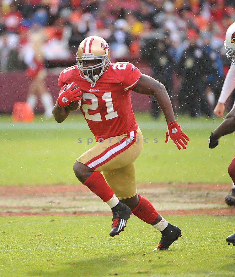 FRANK GORE, of the San Francisco 49ers, in action during the 49ers game against the Arizona Cardinals on November 20, 2011 at Candlestick Park in San Francisco, CA. San Francisco beat Arizona 23-7.