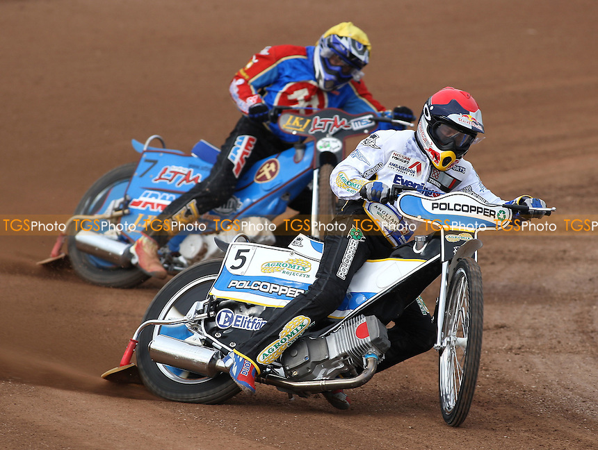 Heat 4: Jarek Hampel (red) ahead of Lubos Tomicek - Ipswich Witches vs Lakeside Hammers - Craven Shield Speedway at Foxhall Stadium, Ipswich - 21/03/08 - MANDATORY CREDIT: Gavin Ellis/TGSPHOTO - Self billing applies where appropriate - Tel: 0845 094 6026