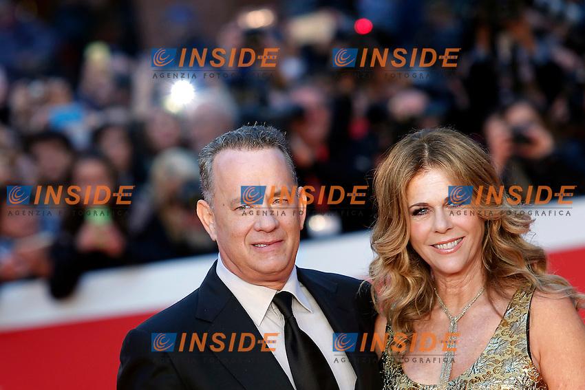 Tom Hanks con la moglie Rita Wilson<br /> Tom Hanks with his wife Rita Wilson<br /> Roma 13-10-2016. Festa del Cinema di Roma XI edizione<br /> Rome 13th October 2016. Rome Film Fest XI edition.<br /> Foto Samantha Zucchi Insidefoto