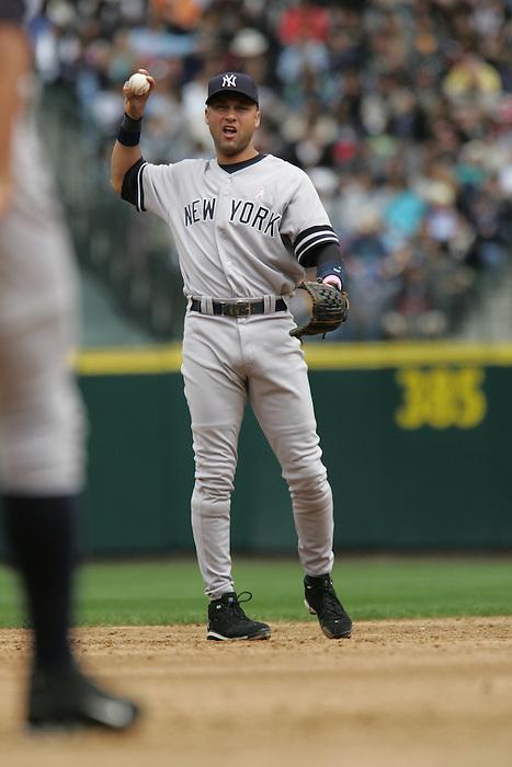 13 May 2007: New York Yankees #2 Derek Jeter Seattle Mariners vs New York Yankees at Safeco Park in Seattle, Washington.