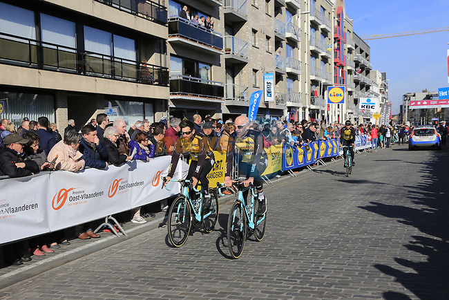 Team Lotto NL-Jumbo riders head to sign on before the start of Gent-Wevelgem in Flanders Fields 2017, running 249km from Denieze to Wevelgem, Flanders, Belgium. 26th March 2017.<br /> Picture: Eoin Clarke | Cyclefile<br /> <br /> <br /> All photos usage must carry mandatory copyright credit (&copy; Cyclefile | Eoin Clarke)