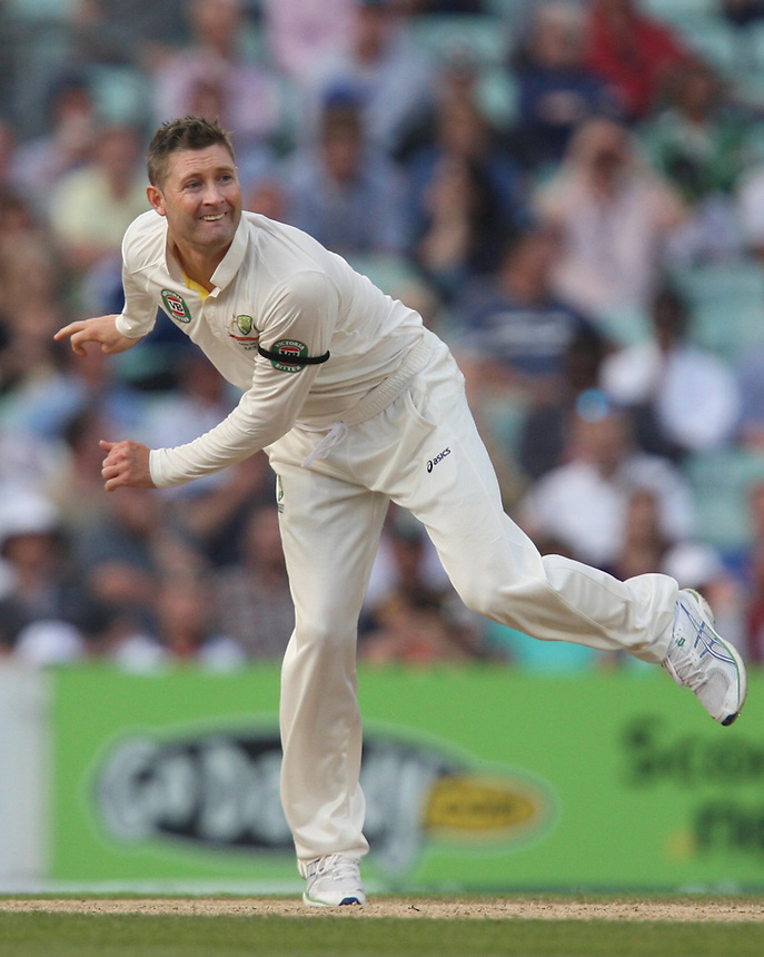 Australia's Michael Clarke (capt)   in action<br /> <br /> Photo by Kieran Galvin / CameraSport<br /> <br /> International Cricket - Fifth Investec Ashes Test Match - England v Australia - Day 5 - Thursday 25th August 2013 - The Kia Oval - London<br /> <br /> &copy; CameraSport - 43 Linden Ave. Countesthorpe. Leicester. England. LE8 5PG - Tel: +44 (0) 116 277 4147 - admin@camerasport.com - www.camerasport.com