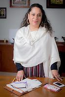 <br /> Quer&eacute;taro. Quer&eacute;taro. 7 de marzo de 2016.-  En el marco de la conmemoración del Día Internacional de la Mujer. Esta casa editorial rinde tributo a mujeres de diferentes actividades importantes en el desarrollo de la dinámica cotidiana de su entorno.<br /> <br /> En la imagen Mar&iacute;a de Jes&uacute;s &Aacute;lvarez Camacho, mejor conocida como MariChuy; ella es ganadera del municipio de Pinal de Amoles, es la primera mujer Presidente de la Uni&oacute;n Ganadera Regional de Quer&eacute;taro.<br /> <br /> Dentro de su experiencia en trabajo de campo, &quot;Loba&quot; en una detención defendió a  la oficial de policía de una agresión del presunto delincuente. En 1975 la ONU comenzó a celebrar ese a&ntilde;o, como el Día Internacional de la Mujer. <br /> <br /> En diciembre de 1977, dos años más tarde, la Asamblea General de la ONU proclamó el 8 de marzo como Día Internacional por los Derechos de la Mujer y la Paz Internacional.Aunque su antecedente se remonta hacia la antigua Grecia, no ser&aacute; si no hasta finales del siglo XIX que la idea de un d&iacute;a internacional de la mujer surgi&oacute; como una idea concreta.<br /> <br /> De acuerdo a la ONU en su website, &quot;El D&iacute;a Internacional de la Mujer se refiere a las mujeres corrientes como art&iacute;fices de la historia y hunde sus ra&iacute;ces en la lucha plurisecular de la mujer por participar en la sociedad en pie de igualdad con el hombre.<br /> <br /> <br /> El tema de 2016 para el D&iacute;a Internacional de la Mujer es &laquo;Por un Planeta 50-50 en 2030: Demos el paso para la igualdad de g&eacute;nero&raquo;.<br /> <br /> El 8 de marzo la observancia de las Naciones Unidas reflexionar&aacute; sobre c&oacute;mo acelerar la Agenda 2030 para el desarrollo sostenible para impulsar la aplicaci&oacute;n efectiva de los nuevos Objetivos de Desarrollo Sostenible. Asimismo, se centrar&aacute; en nuevos compromisos de los gobiernos bajo la iniciativa &laquo;Demos el paso&raquo; d