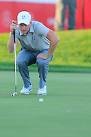 Danny Willett (ENG) Team Europe lines up his putt at the 18th green during Saturday Afternoon Fourball Matches of the 41st Ryder Cup, held at Hazeltine National Golf Club, Chaska, Minnesota, USA. 1st October 2016.<br /> Picture: Eoin Clarke | Golffile<br /> <br /> <br /> All photos usage must carry mandatory copyright credit (&copy; Golffile | Eoin Clarke)