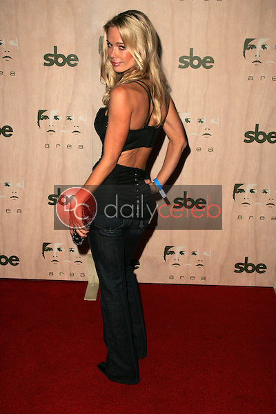 Jennifer Gareis<br />at the Opening of &quot;Area&quot; Nightclub. Area, West Hollywood, CA. 09-28-06<br />Dave Edwards/DailyCeleb.com 818-249-4998