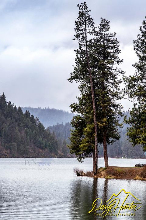 A soggy morning at Fernan Lake in Coeur d'Alene Idaho