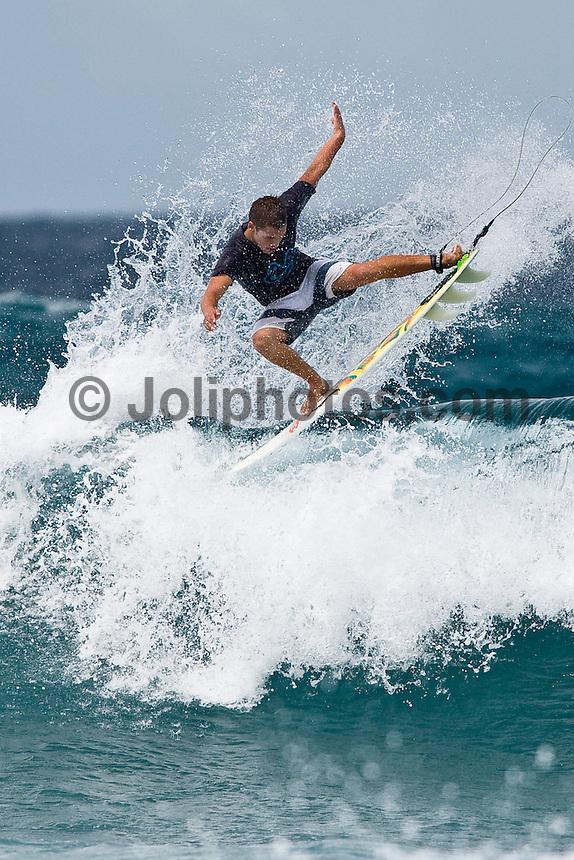 NICOLAU VON RUPP (PRT) surfing in the North Male Atolls, Maldives (Wednesday, June 17th, 2009). Photo: joliphotos.com