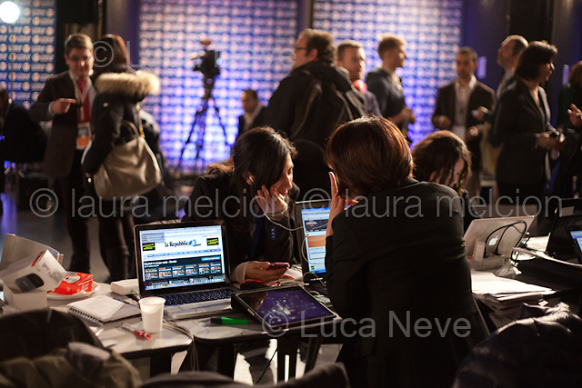 25/02/2013, 19:11 - Journalists at the PD (Partito Democratico) media centre.<br />