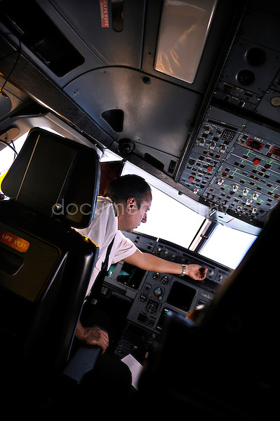 copyright : magali corouge / Documentography.10/06/09.Me?tier : Pilote..Laurent Guerini dans le cockpit.....