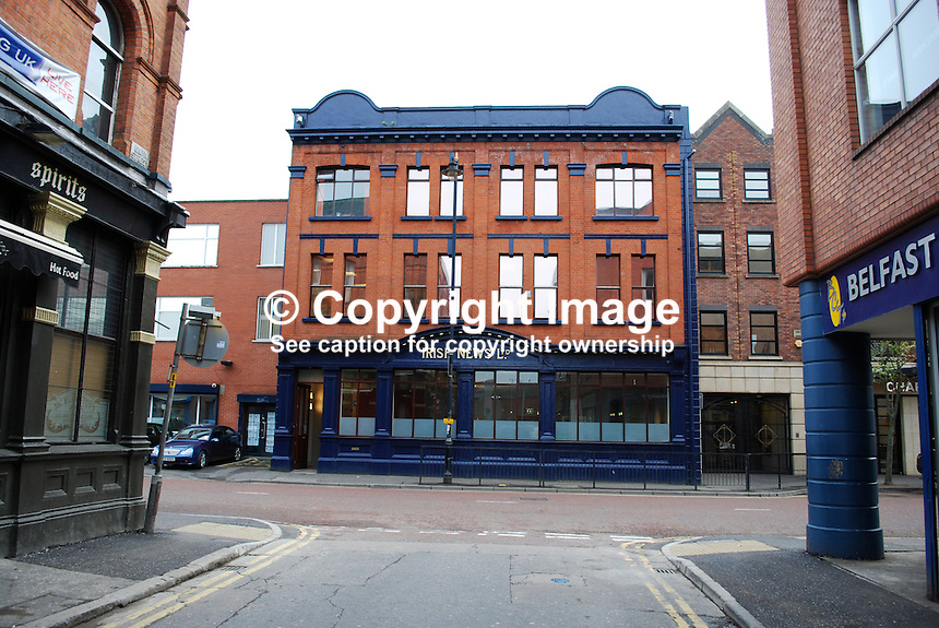 Office, Irish News, Donegall Street, Belfast, N Ireland, UK, 200903172044..Copyright Image from Victor Patterson, 54 Dorchester Park, Belfast, UK, BT9 6RJ..Tel: +44 28 9066 1296.Mob: +44 7802 353836.Voicemail +44 20 8816 7153.Skype: victorpattersonbelfast.Email: victorpatterson@mac.com.Email: victorpatterson@ireland.com (back-up)..IMPORTANT: If you wish to use this image or any other of my images please go to www.victorpatterson.com and click on the Terms & Conditions. Then contact me by email or phone with the reference number(s) of the image(s) concerned.