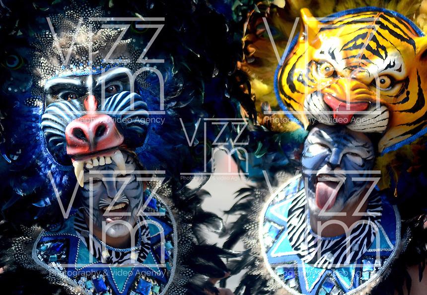 BARRANQUIILLA -COLOMBIA-17-FEBRERO-2015. Gran Parada de Fantas&rsquo;a! Fiesta de brillo, color y mucho ritmo<br /> Lo moderno, lo estilizado, lo que mezcla lo aut&mdash;ctono con lo internacional, lo que presenta nuevas propuestas en bailes, aires musicales y vestuario, lo que significa esplendor, luces, brillo y color, hacen parte de este desfile de lunes de Carnaval que llega a sus primeros 10 a&ndash;os. /  Gran Parada Fantasy! Feast of brightness, color and rhythm<br /> The modern, stylized, which blends the indigenous with international, presenting new proposals dances, musical airs and costumes, which means splendor, lights, brightness and color, are part of this parade Carnival Monday arrives its first 10 years..Photo:VizzoImage / Alfonso Cervantes / Stringer