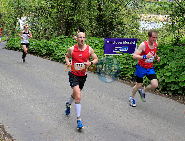 Paddy Carolan and Niall Magill during The Boyne 10K run in Drogheda sponsored by FLO GAS. <br /> Picture: www.newsfile.ie