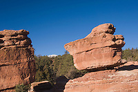 Balanced Rock Rock Formation and pikes peak, Garden of The Gods National Landmark, Colorado Springs, Colorado, USA, February 2006