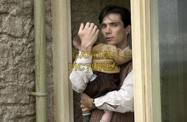CILLIAN MURPHY.in The Edge of Love.*Filmstill - Editorial Use Only*.CAP/FB.Supplied by Capital Pictures.