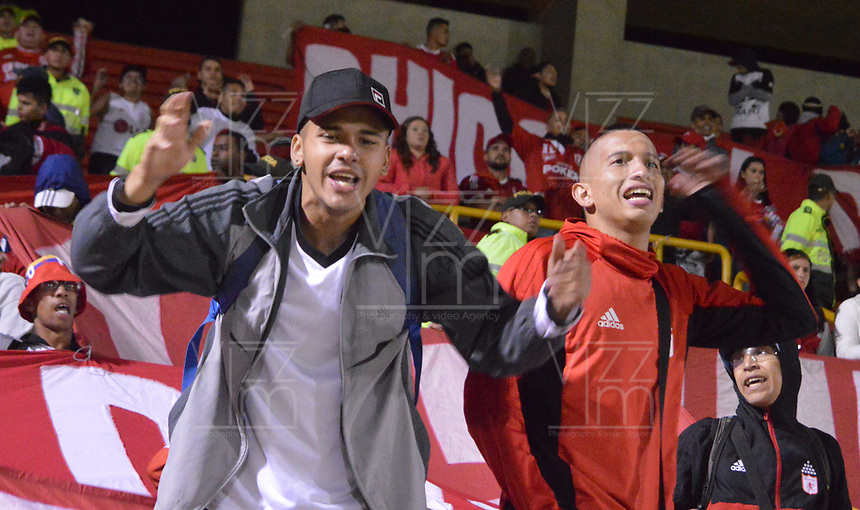 TUNJA- COLOMBIA, 03-02-2019:Hinchas del América deCali.Acción de Juego entre los equipos Patriotas Boyacá y El América de Cali   durante partido por la fecha 3 de la Liga Águila I  2019 jugado en el estadio La Independencia de la ciudad de Tunja. / Fans ofAmerica of Cali.Action game between Patriotas Boyaca and America of Cali during the match for the date 3 of the Liga Aguila I 2019 played at the La Independencia stadium in Tunja city. Photo: VizzorImage / José Miguel Palencia / Contribuidor