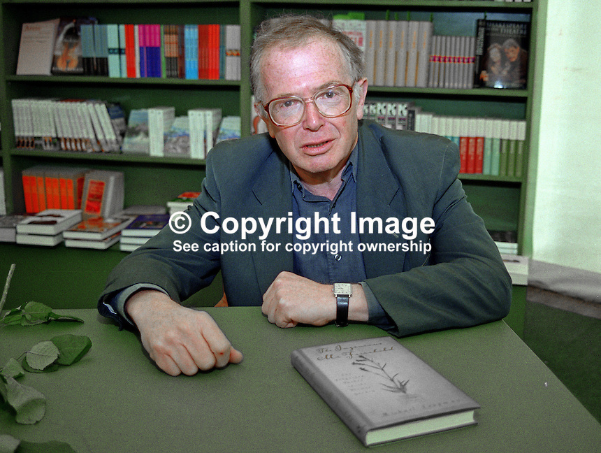 Michael Leapman, journalist, author, in the Festival Bookshop, Hay International Book Festival, Hay-on-Wye, Wales, UK, 200005263.<br />