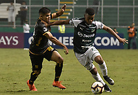 PALMIRA - COLOMBIA, 04-04-2019: Darwin Andrade del Cali disputa el balón con Rodney Redes del Guarani durante partido por la primera ronda de la Copa CONMEBOL Sudamericana 2019 entre Deportivo Cali de Colombia y Club Guaraní de Paraguay jugado en el estadio Deportivo Cali de la ciudad de Palmira. / Darwin Andrade of Cali vies for the ball with Rodney Redes of Guarani during match for the first round as part Copa CONMEBOL Sudamericana 2019 between Deportivo Cali of Colombia and Club Guarani of Paraguay played at Deportivo Cali stadium in Palmira city.  Photo: VizzorImage / Gabriel Aponte / Staff