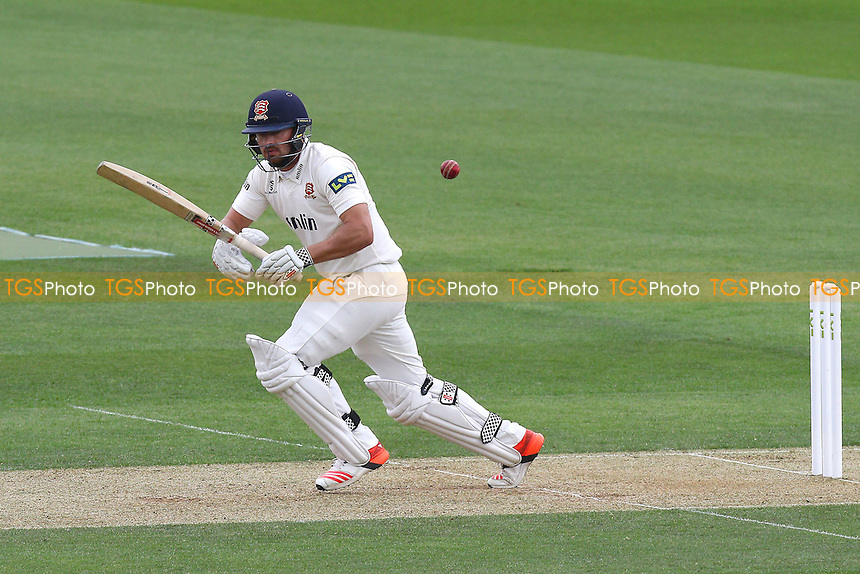 Jaik Mickleburgh in batting action for Essex - Surrey CCC vs Essex CCC - LV County Championship Division Two Cricket at the Kia Oval, Kennington, London - 27/04/15 - MANDATORY CREDIT: Gavin Ellis/TGSPHOTO - Self billing applies where appropriate - contact@tgsphoto.co.uk - NO UNPAID USE