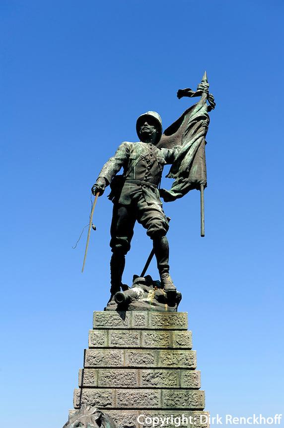 Legionärsdenkmal auf der Place Bir Hakeim in Bonifacio, Korsika, Frankreich