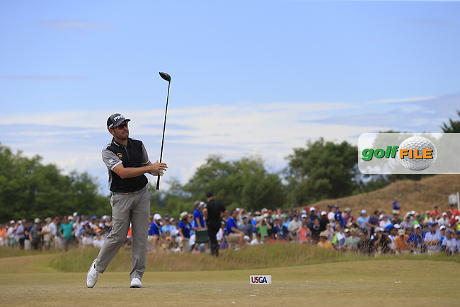 Louis Oosthuizen (RSA) tees off the 4th tee during Thursday's Round 1 of the 2015 U.S. Open 115th National Championship held at Chambers Bay, Seattle, Washington, USA. 6/18/2015.<br /> Picture: Golffile | Eoin Clarke<br /> <br /> <br /> <br /> <br /> All photo usage must carry mandatory copyright credit (&copy; Golffile | Eoin Clarke)