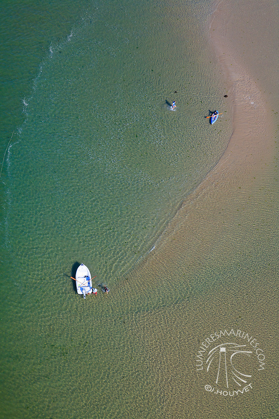 France, Normandie, Manche (50), kayak de mer (vue aérienne) // France, Normandy, Manche, Sea Kayak (aerial view)