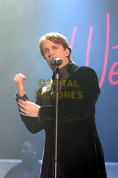WESTLIFE.KIAN EGAN.Live in concert, Nottingham Arena, 22nd March 2005..half length on stage music gig .Ref: JEZ.www.capitalpictures.com.sales@capitalpictures.com.©Jez Self/Capital Pictures