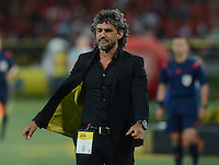 MEDELLÍN-COLOMBIA, 6-DICIEMBRE-2015. Leonel Alvarez director tecnico del Independiente Medellín   contra el Alianza Petrolera   durante el encuentro  por los cuartos de final vuelta  de la Liga Aguila II 2015 jugado en el estadio Atanasio Girardot  de la ciudad de Medellín ./ Leonel Alvarez coach of  Independiente Medellín against  of Alianza Petrolera   during  match between Independiente Medellín   vs Alianza Petrolera  the quarterfinals of the Liga Aguila  2015  played in the Atanasio Girardot  stadium in  Medellín . Photo: VizzorImage / León Monsalve  / Stringer