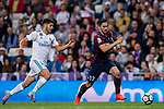 Paulo Andre Rodrigues de Oliveira (r) of SD Eibar is followed by Marco Asensio Willemsen of Real Madrid during the La Liga 2017-18 match between Real Madrid and SD Eibar at Estadio Santiago Bernabeu on 22 October 2017 in Madrid, Spain. Photo by Diego Gonzalez / Power Sport Images