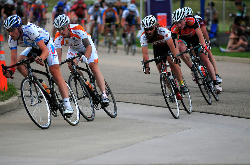 26 Aug 2008: Cyclists race around a 0.7 mile loop in the Boulder Tech Center during a criterium race in Niwot, Colorado.
