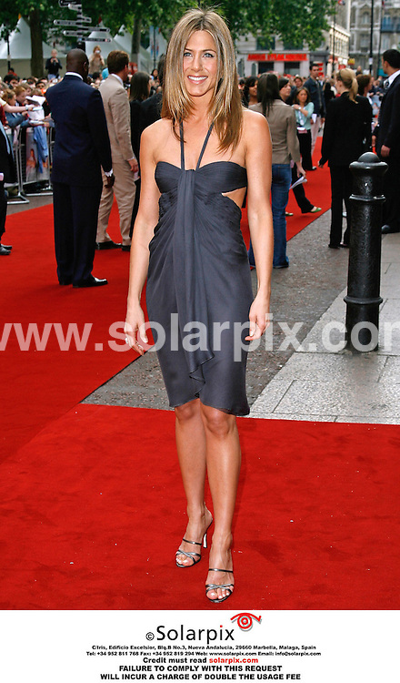 "ALL ROUND PICTURES FROM SOLARPIX.COM..Stars arrive for the premiere of ""The Break Up"" at the Vue, Leicester Square in London's West End on 14.06.06. .Job Ref: 2490/PRS..MUST CREDIT SOLARPIX.COM OR DOUBLE FEE WILL BE CHARGED.."