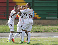 FLORIDABLANCA -COLOMBIA, 26-10-2013.  Jugadores de Alianza Petrolera celebran gol en contra del Deportes Tolima durante partido válido  por la fecha 16 de la Liga Postobon II 2013 disputado en el estadio Alvaro Gómez Hurtado de la ciudad de Floridablanca./ Players of Alianza Petrolera celebrate a goal against Deportes Tolima during match valid for the date 16 of the Postobon League II 2013 played at Alvaro Gomez Hurtado stadium in Floridablanca city Photo:VizzorImage / Duncan Bustamante / STR