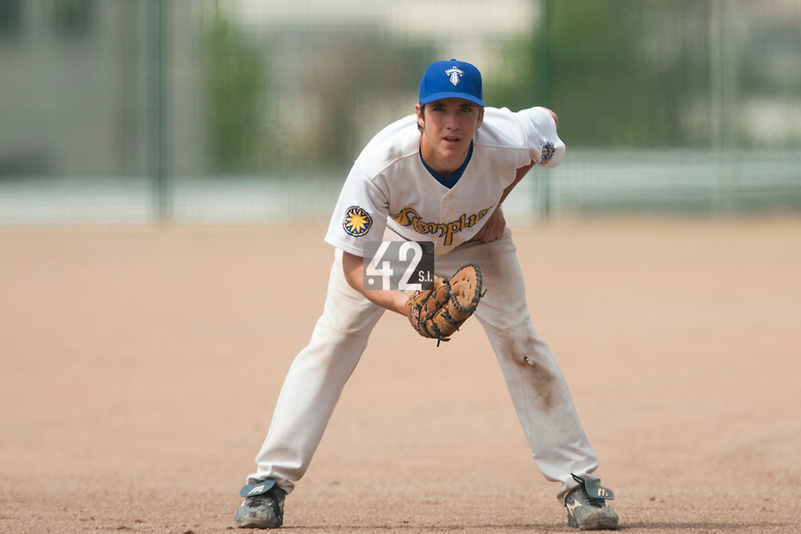 23 May 2009: Steven Vesque of Senart is seen on defense during the 2009 challenge de France, a tournament with the best French baseball teams - all eight elite league clubs - to determine a spot in the European Cup next year, at Montpellier, France. Savigny wins 4-1 over Senart.