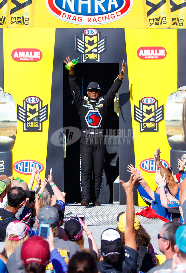Mar 19, 2017; Gainesville , FL, USA; NHRA top fuel driver Antron Brown during the Gatornationals at Gainesville Raceway. Mandatory Credit: Mark J. Rebilas-USA TODAY Sports