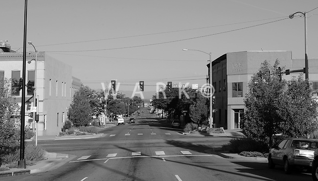 6:50 AM, clear and warm weather<br /> Center of Sixth Street, 100' from intersection