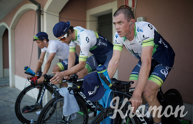 Simon Gerrans (AUS/Orica-GreenEDGE) during morning warm-up at the hotel