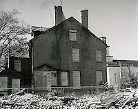 1961  October  05..Historical         ..HANNON HOUSE.CUMBERLAND ST..Side view of house at SE corner of Cumberland and Freemason Streets boarded up and fenced in to avoid vandalism...PHOTO CRAFTSMEN INC..NEG# 47-886..