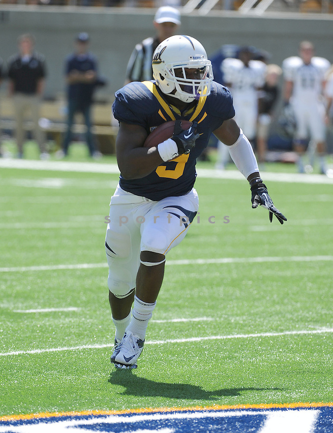 California Golden Bears CJ Anderson (9) during a game against the Nevada Wolf Pack on September 1, 2012 at Memorial Stadium in Berkeley, CA. Nevada beat Cal 31-24.
