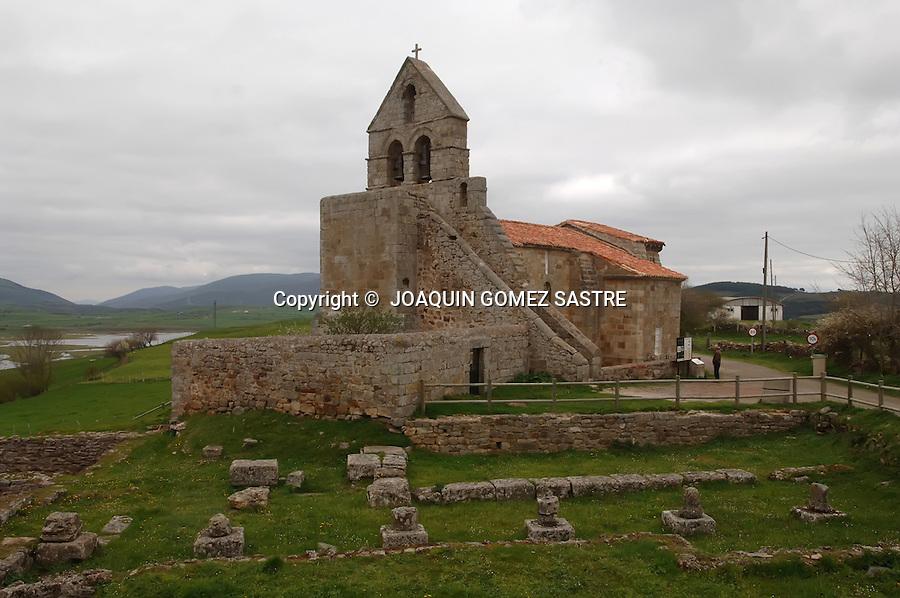 JULIOBRIGA.Vista de la iglesia de Santa Maria en Retortillo Enmedio construida sobre las ruinas de la ciudad Romana de Juliobriga.foto JOAQUIN GOMEZ SASTRE