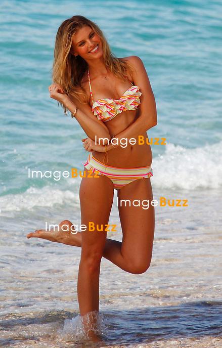 MARYNA LINCHUCK - December 11,2012-Saint Barths (FR)- Victoria's Secret Angel Maryna linchuck poses for the Victoriaís Secret bikini photoshoot in Saint Barths..
