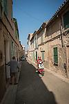 Narrow street, Ariany, Mallorca