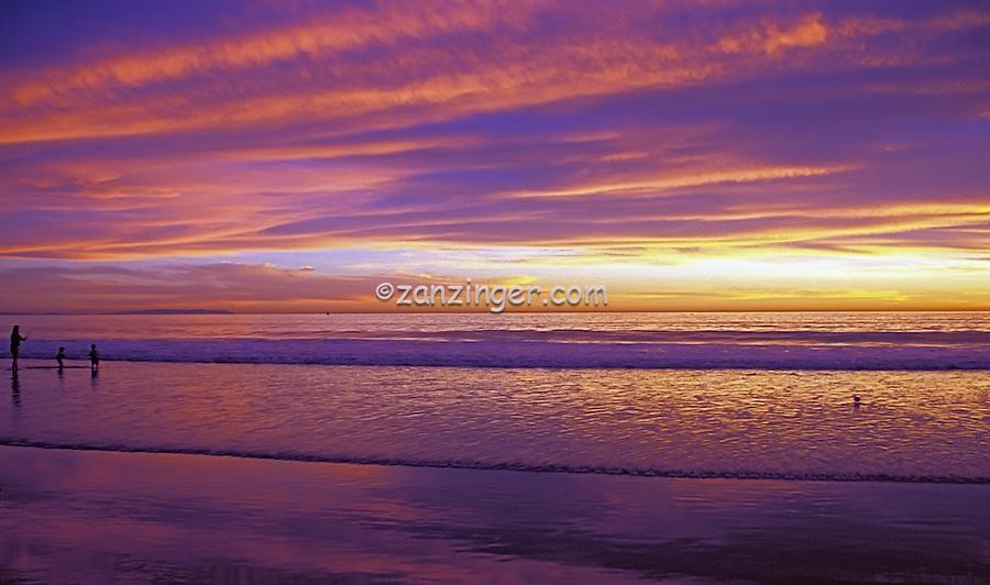 Santa Monica, Beach, CA, Girl, Man, Couple,  Running, Ocean, Sunset, Fiery Sky High dynamic range imaging (HDRI or HDR)