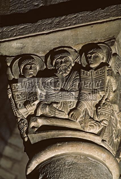 """Europe/France/Auverne/63/Puy-de-Dôme/Clermont-Ferrand: Basilique de Notre-Dame-du-Port (architecture romane) - Détail chapiteau """"l'Assomption"""""""